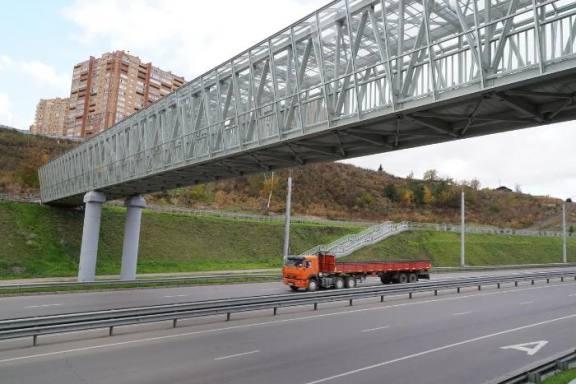 В Красноярске открыли пешеходный переход через Николаевский проспект