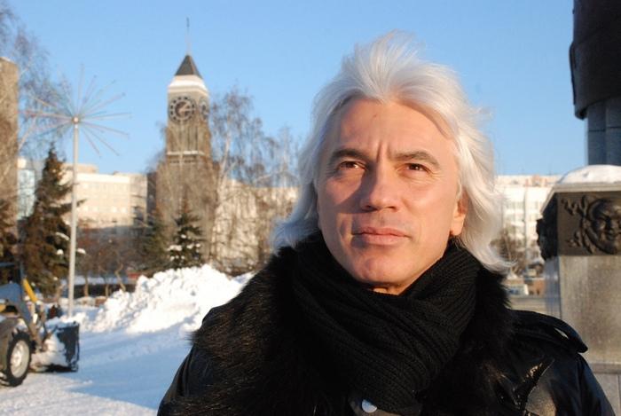«Я должен был сюда вернуться!»: в день рождения Дмитрия Хворостовского в Красноярске начинается фестиваль его имени