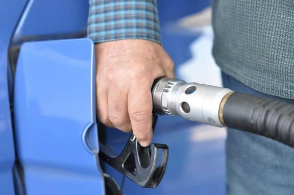 В Омской области зафиксировали рост цен на бензин