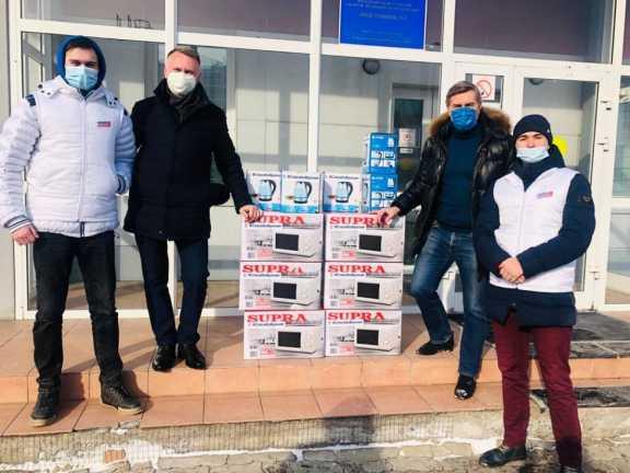 В Красноярске медиков станции скорой помощи поздравили с Днем защитника Отечества
